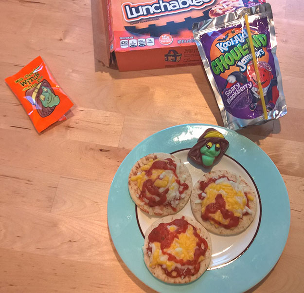 halloween lunchables pizza